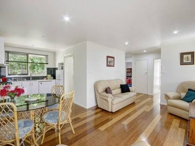 Quiet, quality 2 bedroom Unit close to High Street