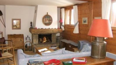 Photo for Meribel Les Allues: Charming appartment in mountain chalet