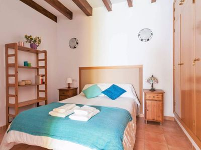 Photo for Bright and Cheerful Two-Bedroom in Historic Centre - Sierpes 2
