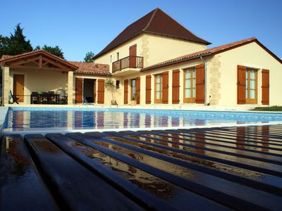 Photo for 5 Bedroom, 3 bathroom house with Large heated swimming pool near Bergerac