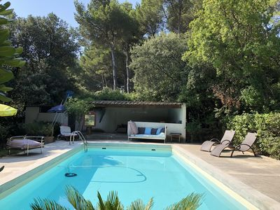 Photo for Large house in the pine forest 15 minutes from Avignon