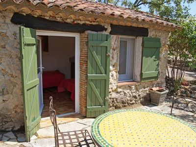Photo for Detached, cozy holiday home with cabanon and private pool, in beautiful nature