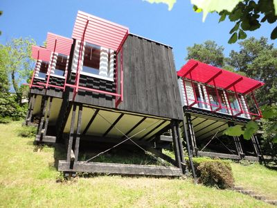Photo for Detached vacation home, located on a spacious hillside property