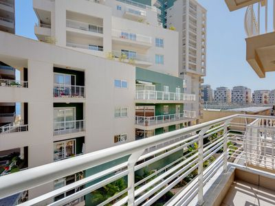 Photo for Cosy 1 Bedroom Sliema Apartment, Best Location