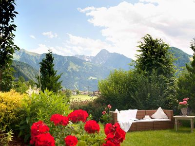 Photo for Apart Heim - Sonnenbalkon - directly at the ski and hiking bus and the Zillertalbahn