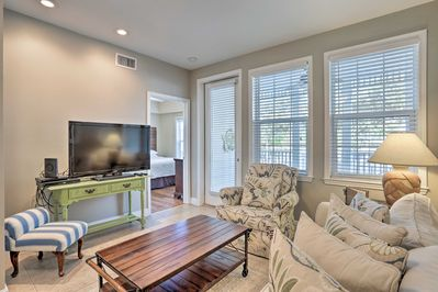 Sneak away from your busy schedule and stay at this Santa Rosa Beach condo!