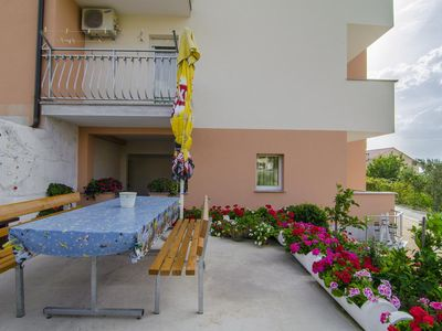 Photo for One bedroom apartment with terrace and sea view Podstrana (Split)