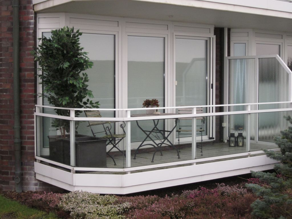 Modern apartment balcony wi fi sauna newly renovated for 3 renovated apt with spacious living room 10 pax
