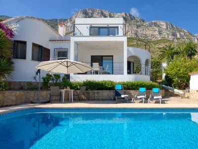 Photo for Beautiful private villa for 6 guests with private pool, WIFI, A/C, TV and parking