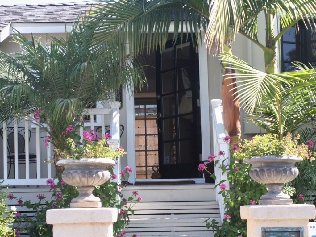 charming beach bungalow cottage in so lagun homeaway rh homeaway com laguna beach cottage hotel laguna beach cottage with piano