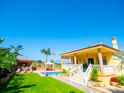 Photo for Cubo's Finca Mis Seis Soles. Wifi, parking, BBQ, pool.