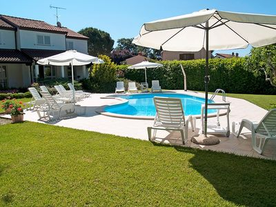 Photo for Apartment in Poreč with Internet, Pool, Air conditioning, Parking (304941)