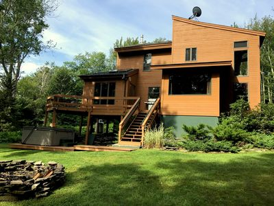 Huge Home with Hot Tub, Fire Pit & Weber Grill, Pool Table and more!