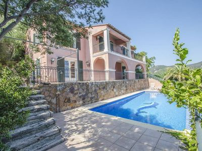 Photo for Villa in Anthéor, with stunning sea views and private swimming pool