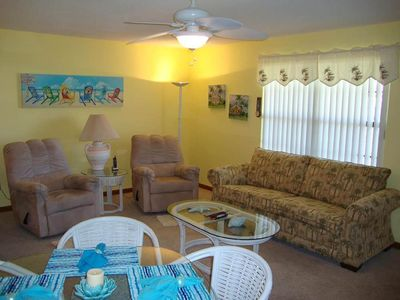 Photo for 1 BR / 1 BA condo, Sleeps 6, Onsite Amenities, 4 Pools, Family Friendly