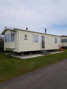 Photo for Outstanding Willerby Rio 6 berth holiday home with 2 bedrooms.