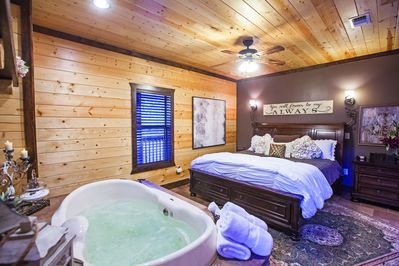 Honeymoon Luxury Cabin 1 Br 2b W Jacuzzi Hottub Wifi