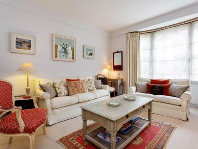 Photo for Homely two bedroom apartment by the Chelsea Embankment (Veeve)