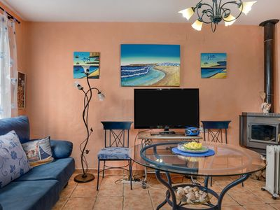 Photo for Charming Holiday Home Casita Flores with Air Conditioning, Wi-Fi, Terrace & Sea View; Pets Allowed
