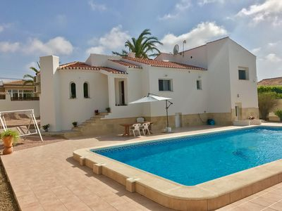 Photo for Beautiful fully renovated detached villa with private pool
