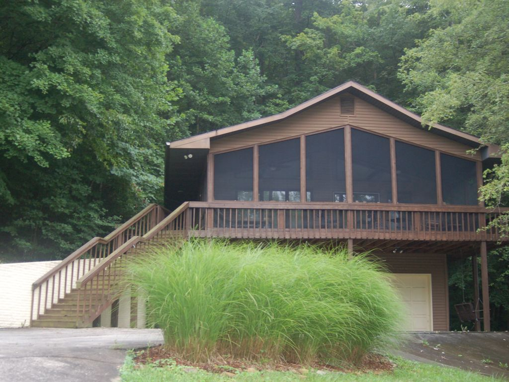 Superbe Feelinu0027 Jolly Cabin   Nestled In Our 2.5 Acre Wooded Lot On Dale Hollow Lake