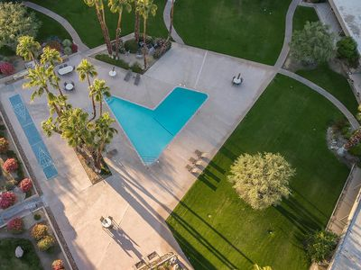 Photo for Sandpiper located on El Paseo, the Rodeo Drive of Palm Desert