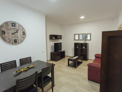 Photo for Bright and quiet apartment Triana, Seville