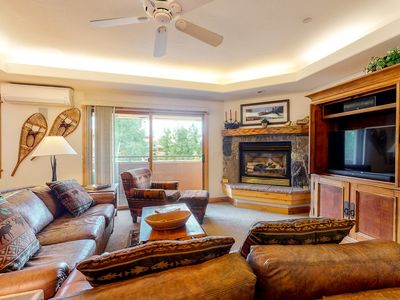 Photo for Corner condo w/ shared pool & gym - 200 yards from the gondola