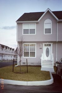 Photo for Like new 3 bdrm, 2.5 ba twnhse w/pool, tennis &  deck, 2 miles to Bethany Beach