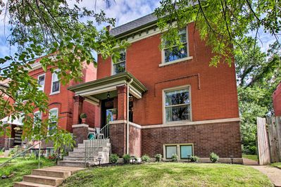 Venture to Mound City and explore the highlights of St. Louis from this home!