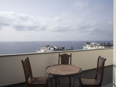 Photo for Apartment with balcony and view over the Atlantic - Casas Maravilha Funchal