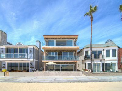 "Photo for ""Wave Curl"" (1st Floor) Modern, Spacious Oceanfront w/ Huge Front Patio"