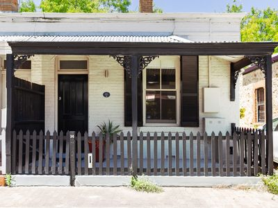 Photo for Adelaide City Cottage. Parking available.*