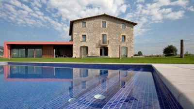 Photo for 9 bedroom Villa, sleeps 22 in Vic with Pool and WiFi