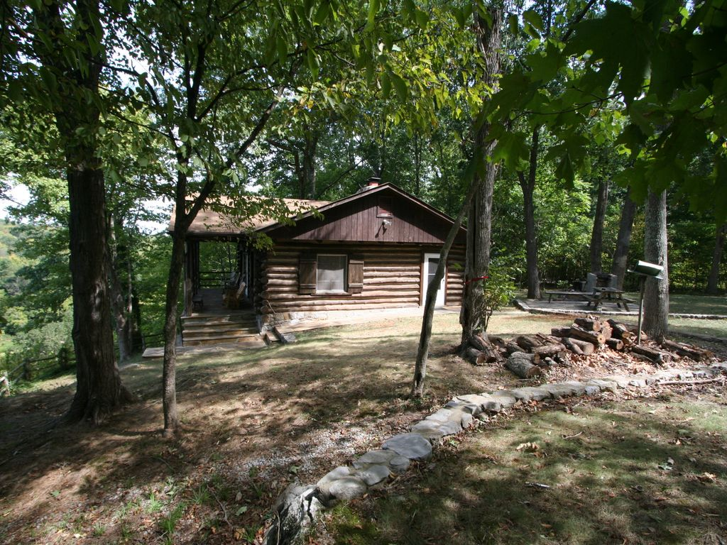 Log cabin with a spectacular view of the shenandoah river for Log cabins in shenandoah valley