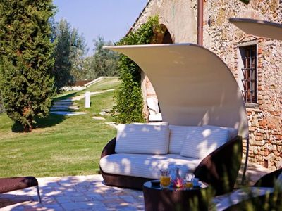 Photo for 4BR Tuscany's sun-basked countryside