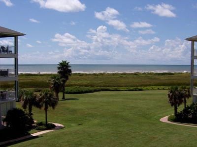 Photo for 3/2 Ocean View condo: Steps from Beach Club! Beach toys included. Family Retreat
