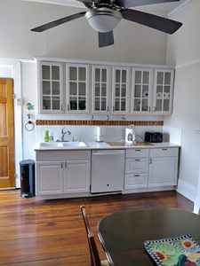 Spacious Condo near the French Quarters and Musical Frenchmen St.