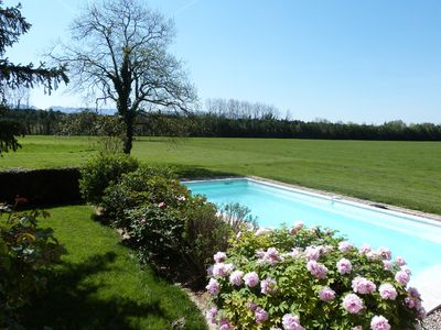 Photo for Country house with a pool in Saint-Rémy-de-Provence, sleeps 8