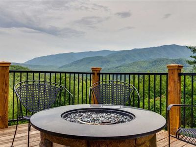 Photo for King of the Mountain: 6 BR / 4 BA cabin in Gatlinburg, Sleeps 18