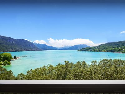 Photo for Lakeside penthouse with views that will take your breath away - OVO Network