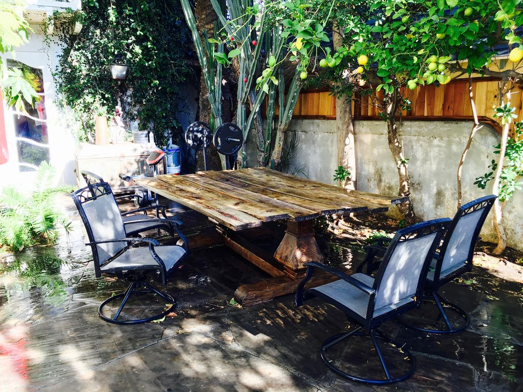 Guest homes for rent in los angeles - Property Image 15 Tree House Guest Cottage