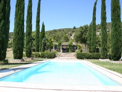 Photo for Charm and authenticity in the heart of the Luberon!