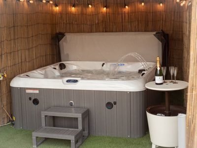 Photo for Large hot tub - Auchtermuchty home, Sleeps 8, 4 Bedrooms, Flat screen TV's