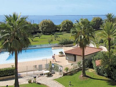 Photo for Juan les pins, charming T2 direct beach access and pool