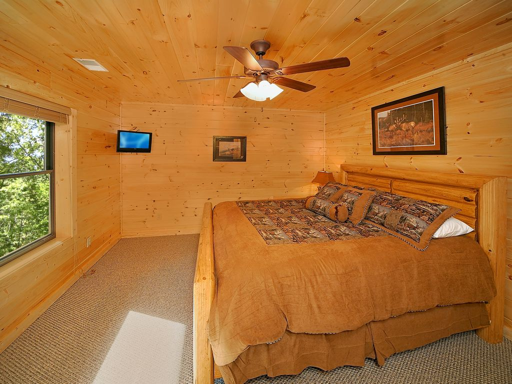 5 Bedroom Gatlinburg Cabin Rental With Home Theater Room Pittman Center Tennessee