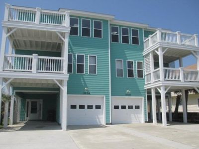Photo for 3 Bedroom, 3.5 Bath Close To The Beach!