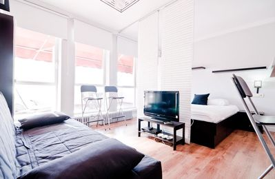 Photo for Terraza Plaza Mayor II  apartment in Opera with WiFi, integrated air conditioning, private terrace …