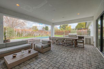 Lux New Build 5 Br 4 Ba Modern Chic Decor High End Kitchen Htd Pool 2 Firepits Bikes Camelback East