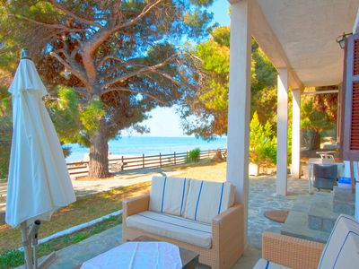 Photo for Barlee BeachFront House, Metamorfosi